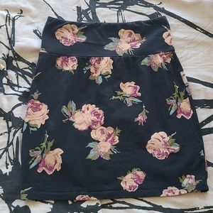 Aritzia - Talula Floral Bodycon Skirt